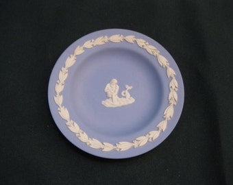 Wedgewood plate with Water Pourer