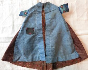 Antique doll dress / robe / wrapper c. 1880 light weight wool, teeny tiny pocket