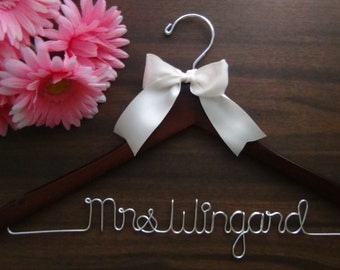 Wedding Dress Hanger, Bride Hanger, Last Name Hanger, Mrs Hanger, Wedding Hanger, Personalized Hanger, Bridesmaid, Bride Gift