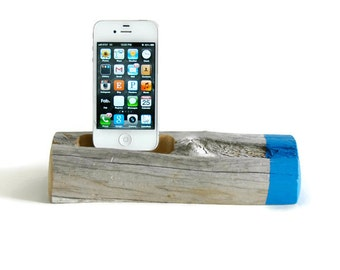 Docking Station / Painted Driftwood - Electric Blue
