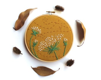 Queen Anne's Lace Embroidery Hoop Art, Embroidered Flowers Woodland Wall Art, Wildflower Primitive Country Decor, Fall Colors, Gold Autumn