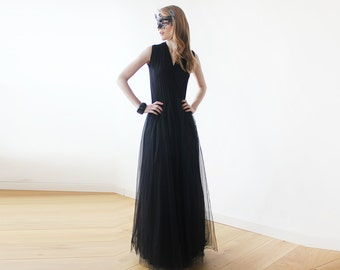 Black maxi tulle sleeveless gown , Black maxi tulle gown