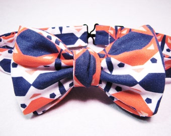 Men's Freestyle Bowtie - Coral & Navy Fox