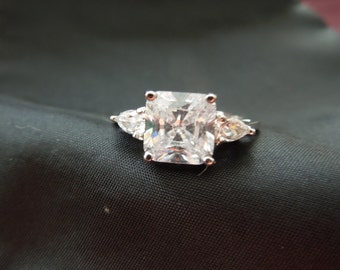 Vintage Costume Ring, Size 8, Silver Tone, Large Rhinestone with Small Ones Either Side, Excellent Condition