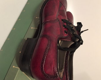 1950s Vintage Women's Shoes OXFORD Shoes Ladies Oxfords  Leather oxfords  Red & Black,Genuine Soft LEATHER New Old Stock