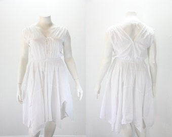 Large - XL White Dress - Vintage w Handkerchief Hem