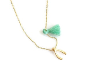 Tiny WishBone Necklace. Little matt gold plated wishbone necklace. Minimalist necklace. Chain Necklace. Layered Necklace