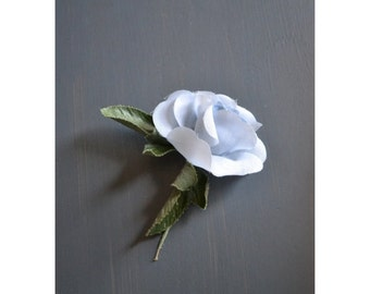 SALE - 50s flower boutonniere / floral pin