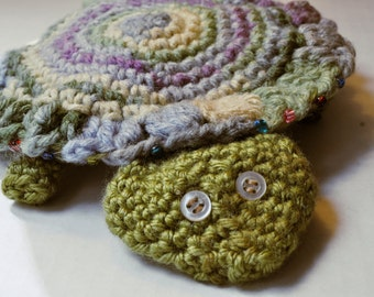 Crocheted frisbee, soft catch frisbee, flying turtle toy - pastel colors
