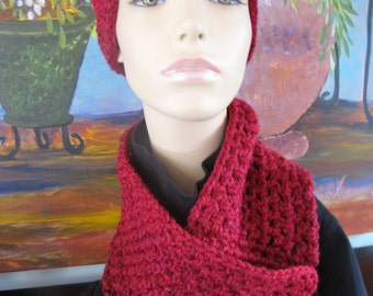 Hand Crafted Ladies HAt/Scarf Set in Raspberry
