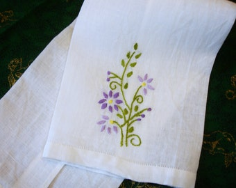 """Tea Towel, Linen Towel, Embroidered Tea Towel, Floral embroidery, cottage chic decor, Guest Towel, Vintage towel, 17x10"""", French Country"""