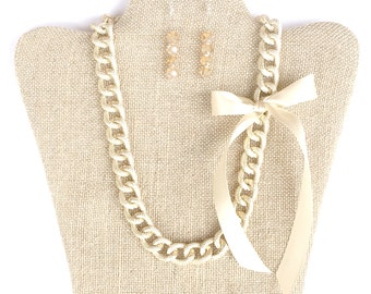 Chunky Necklace with Satin Bow