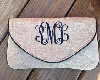 Monogrammed  Clutch -  Bridesmaids Clutch - Clutch Purse - Monogrammed Wristlet  -  Burlap Make up Bag - Personalized Gift - Christmas Gift