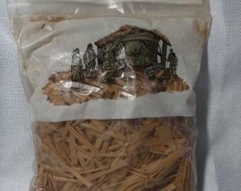 Vintage Nativity Straw, Unopened