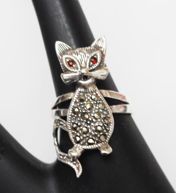 Sterling Cat Pin - Marcasite red Garnet eyes - Size 7 - signed 925 TH MT