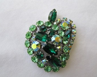 vintage 60's signed CONTINENTAL LEAF PIN Brooch Green Rhinestones prong set in silver tone  Jd1-135