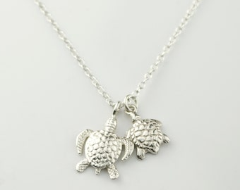 Mother and Baby Turtle Charm Necklace, 18K Vermeil Gold or Sterling Silver, Mom Necklace, Baby Shower Gift, New Mom Gift