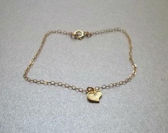 Dainty tiny bracelet, Girls heart bracelet, Everyday bracelet, Heart charm bracelet by viartvi