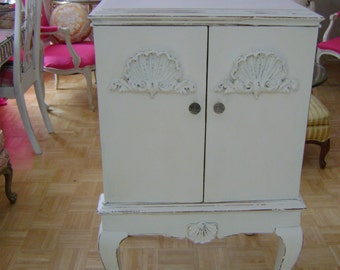 ViNtAgE cottage chic cabinet with raspberry interior