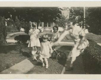 Misfire: Vintage Photo Snapshot [64452]