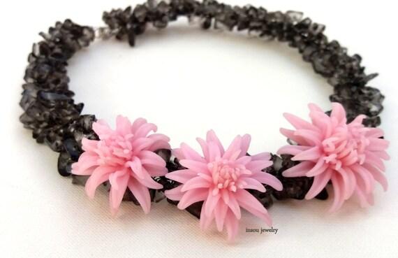 Rose Quartz Necklace Flower Necklace Pink Grey Statement Necklace Flower Jewelry Dahlia Spring Jewelry Polymer Jewelry Gift For Her Flowers