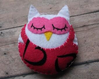 Felt owl ornament-pink and white heart owl-Christmas owl ornament-felt Christmas ornaments-Handmade owl-Owl room decor