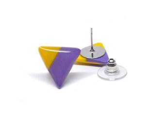 Stud earrings triangle geometric ear posts yellow and purple 15mm
