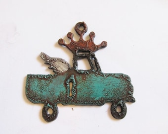 Vintage Truck Crown and Wing patina #CM20
