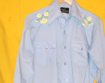 Vintage Sky Blue Western Cowboy Shirt with Yellow Floral Hand Embroidery on Yoke, Pearl Snaps, Permanent Press, Size 15 1/2, 32