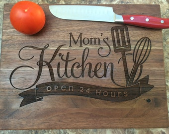 Moms Personalized Cutting Board, Personalized Gift, Anniversary Gift, Birthday Gift, ChristmasGift Housewarming Gift