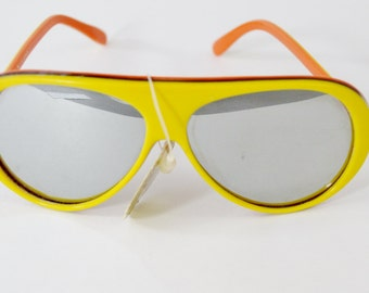 Awesome Vintage NOS Sunglasses - See our huge collection of vintage eyewear