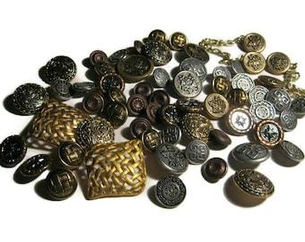 Vintage Buttons, Goldtone, Silvertone Decorative Metal Buttons....LOT 22
