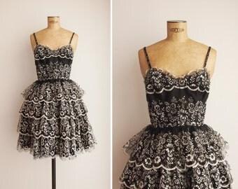 1950s Dress - Vintage 50s Black Floral Dress - Jardin des Merveilles Dress