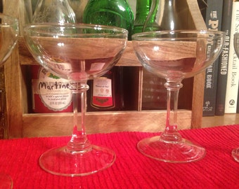 Vintage Coupe : Set of 6 matching cocktail glasses or champagne glasses (5 3/4 ounce coupes)
