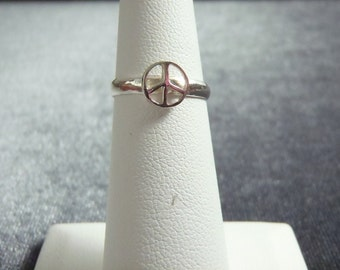 Sterling Silver Peace Sign Toe Ring T9
