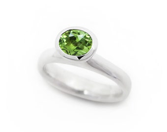 Oval peridot ring in sterling silver, green oval gemstone cocktail ring - August birth stone