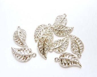 10 Silver Plated Leaf Charms - 21-47-6