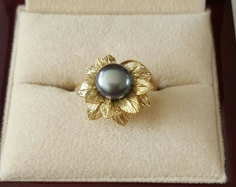 14k Yellow Gold Black Pearl Flower Ring Size 6 1/2