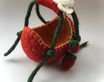 Strawberry Basket. Handfelted .Felted bag,Bowl,Flower girl.