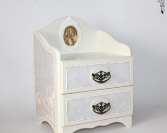 Chest / mini chest of drawers , jewelery box, or, box , boxes, wood, for jewelery