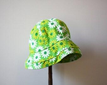 1960s green daisy bucket hat // 1950s bucket hat // vintage hat