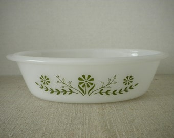 Glasbake Green Daisy Flowers Milk Glass Oval Casserole Dish / Jeanette Glass Company / J235 Vintage Mid Century Serving Bowl Bakeware