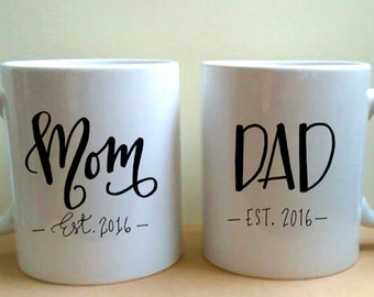 Mom and Dad Est. year - Hand Lettered Coffee Mug Set - Gift for New Parents - Parents Gift - Baby Shower Gift