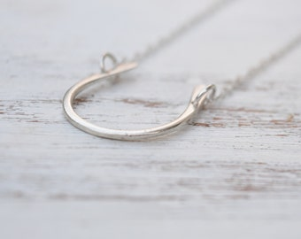 Horseshoe necklace,Sterling Silver necklace,horseshoe charm,luck necklace,dainty necklace,silver horseshoe,gift for women ,dainty horshoe