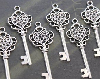10 pcs Antique Silver skeleton Key Charm Steampunk Supplies Wedding Key