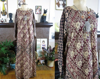 Vintage Ethnic Pakistani Bohemian Caftan Circa 1960s 1970s Maxi Dress with Winged Sleeves & Blocked Print