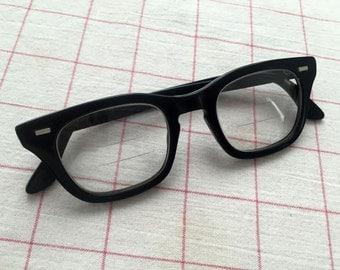 1950s Vintage // Black Halo Eyeglasses
