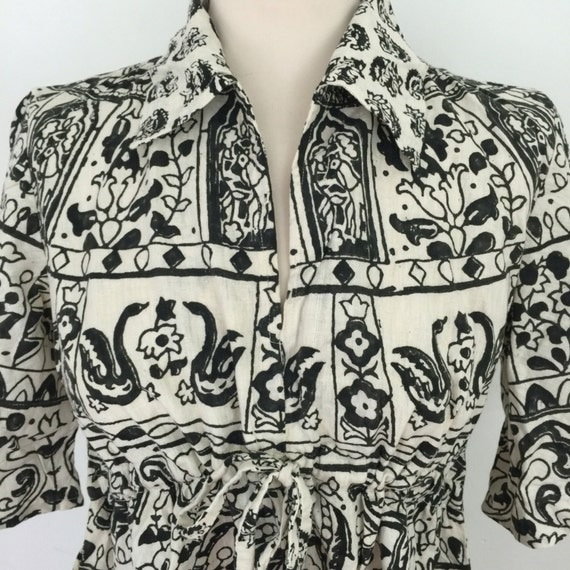 vintage Indian Cotton shirt cream black smock blouse UK 12 made in India swan elephant novelty print 1970s collar