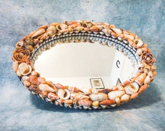 Beautiful Cottage Beach House Oval Seashell Mirror Wall Hanging