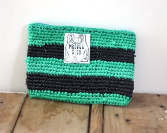 Wallet in crocheted recycled plastic bag